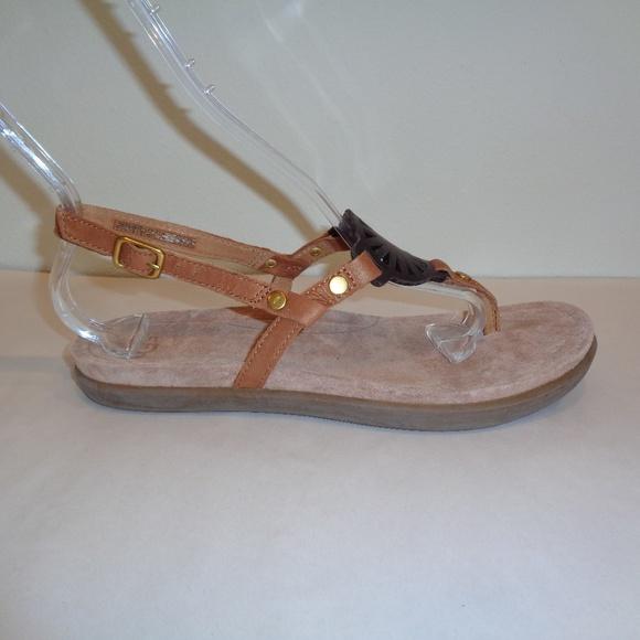 8d03239829e UGG Australia Size 7 AYDEN Brown Leather Sandals Boutique